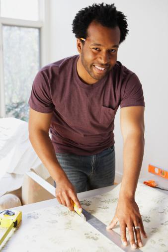 Bien poser son papier peint fiche pose papier peint arracher papier peint - Enlever de la tapisserie facilement ...
