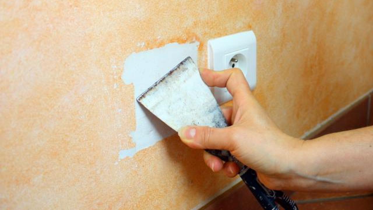 boucher un trou dans un mur de gypse avant de le peindre. Black Bedroom Furniture Sets. Home Design Ideas