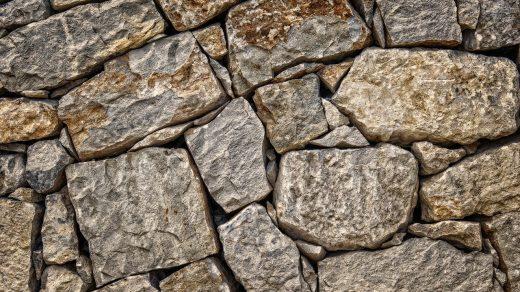 mur en pierres naturelles